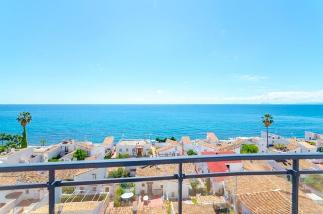 Beachside apartment situated in a nice development with underground car park and storage room.  Just,Spain