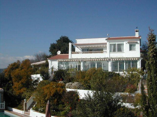 The south orientated property has fantastic views to the sea and to the mountains and is only 7km aw,Spain
