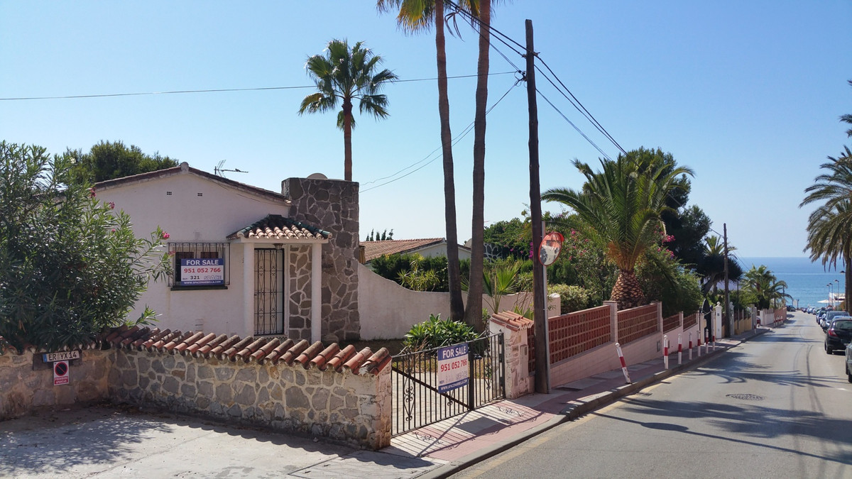 BEST BEACH SIDE OPPORTUNITY FOR A VILLA IN MARBELLA 100m FROM THE BEACH AND ALL AMENITIES - EXCLUSIV,Spain