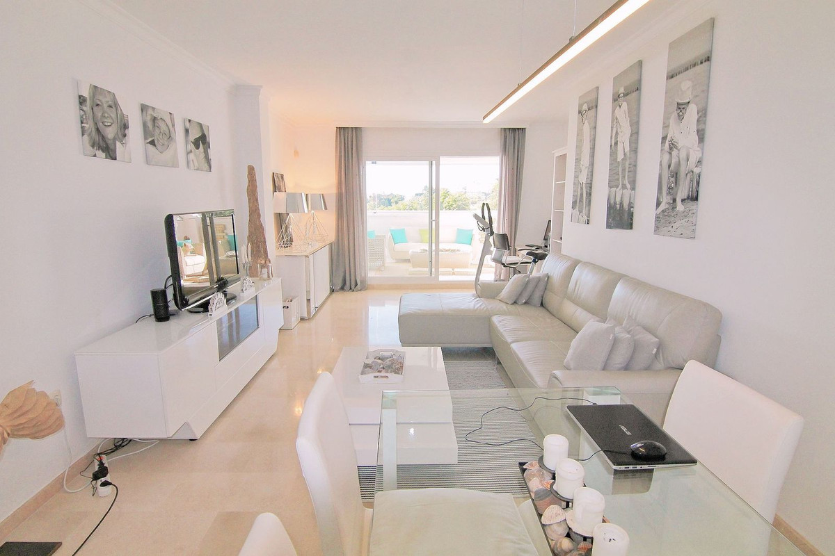Inmaculate apartment,  2 bedrooms, 2 bathrooms, first line golf and sea views. Garage included.  Mid,Spain