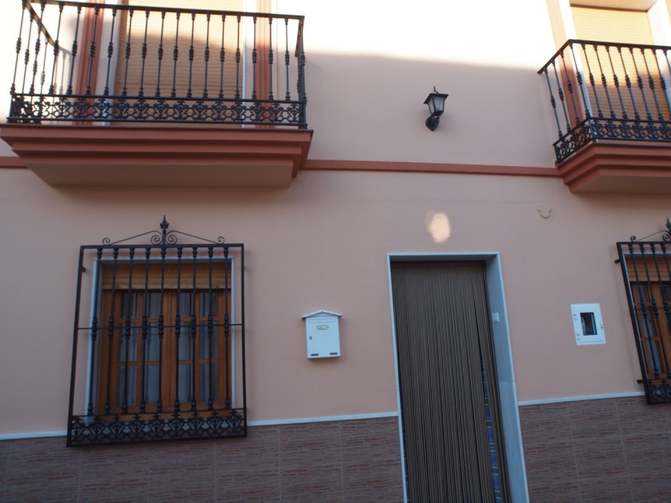 Beautiful townhouse in the Centre of Periana, consists of a spacious living room, two living areas, ,Spain