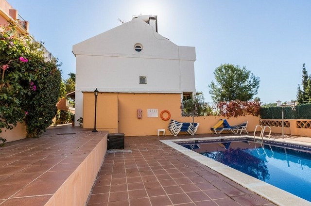 Located in El Coto, within walking distance to all services and downtown, we find this cosy corner t, Spain