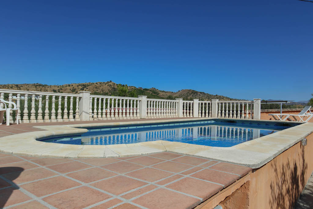 Charming Spanish Country finca located in Coin.   A short drive from the busy town of Coin, this pro, Spain