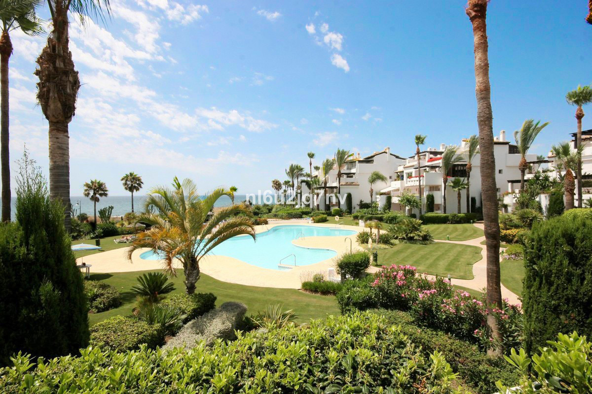 Stunning 1st floor, south facing apartment on the beach with incredible sea views. The apartment is ,Spain