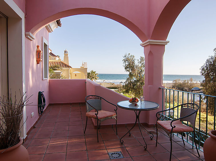 Setached luxury villa in Lorea beach second line by the sea, just 2 km from Puerto Banus. Sea views ,Spain