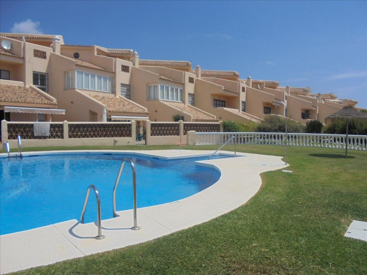 Great detached house in prestigious area. With garage and private garden, terraces and attic. All ma, Spain