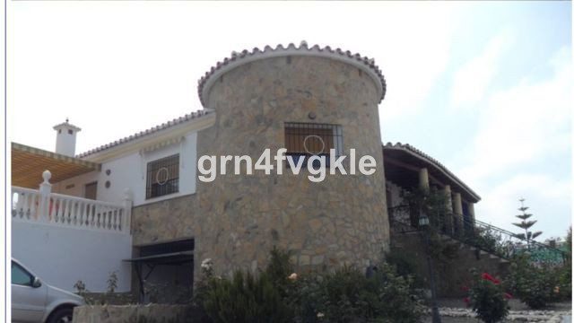Vinuela, 148 m2, 3 rooms-  Fantastic Villa in the town of Alcaucin, very well communicated, a step ,Spain