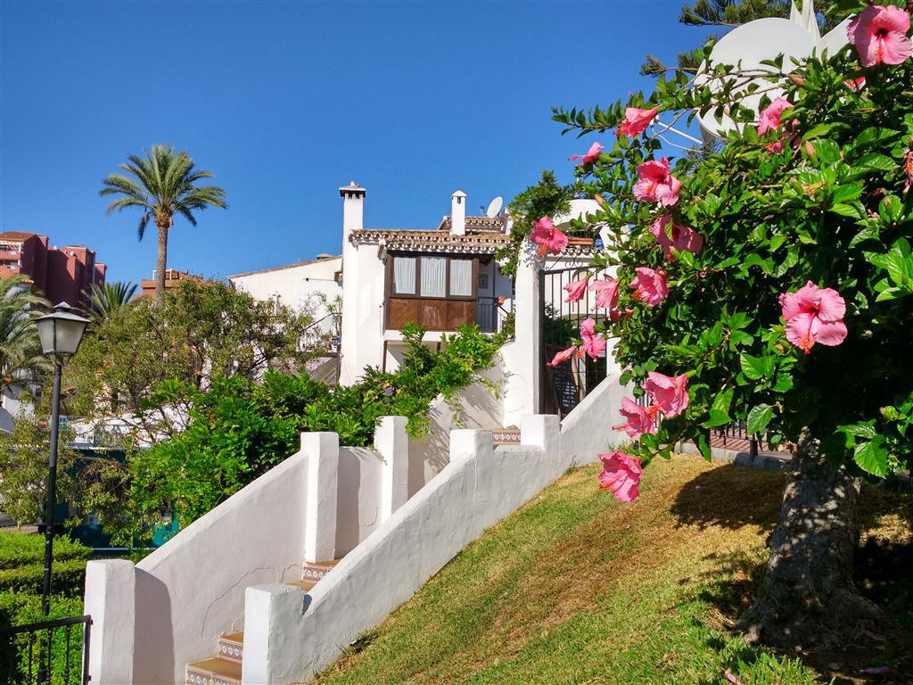 1 bedroom apartment, close to the beach in Benalmadena Costa. Located in Avenida de las Palmeras, in,Spain