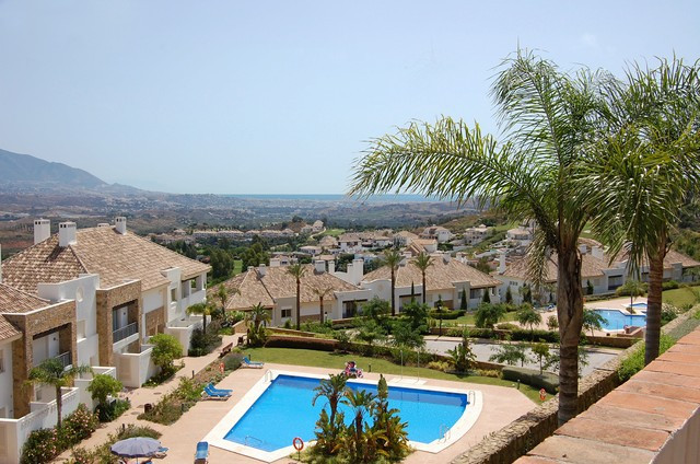 Great new Townhouse with beautiful views to the mountains, golf camps and to the sea. Fully furnishe,Spain
