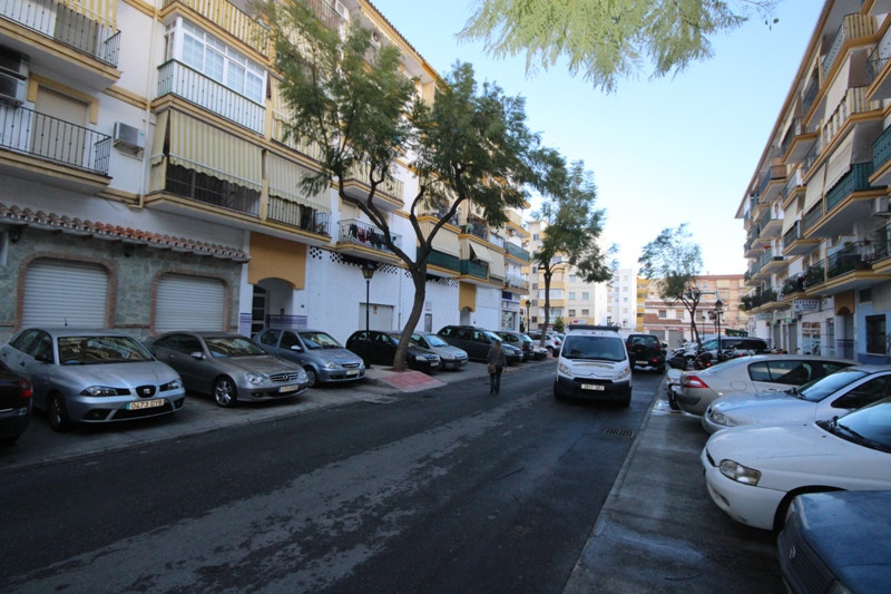 Property located in Fuengirola, Malaga. Bank repossession apartment of 103m2 built. Consist of three,Spain