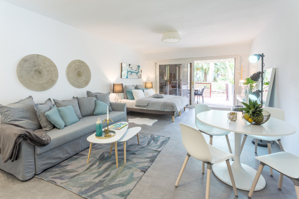 Studio located 200 meters from the beach in Puerto Banus. Terrace facing the pool and garden.Totally,Spain