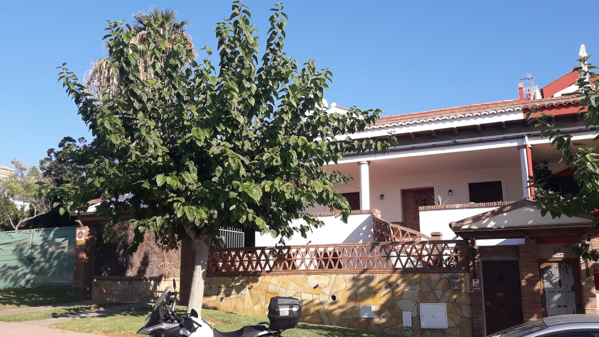 Great brand new semi-detached villa in the heart of Cortijo de Torrequebrada. It is distributed on t, Spain