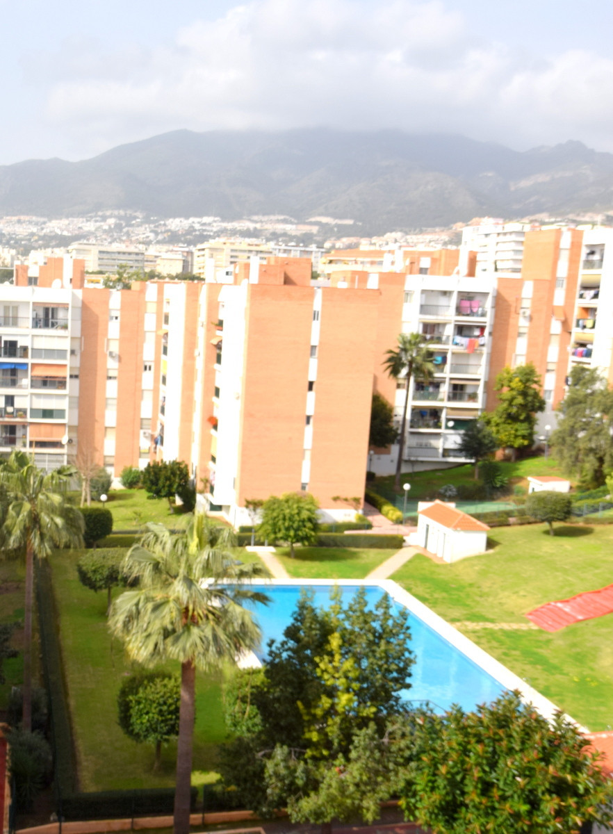 Spacious 3 bedroom apartment in  Arroyo de la Miel ¡ It is located to a step of Parque de la  Paloma,Spain