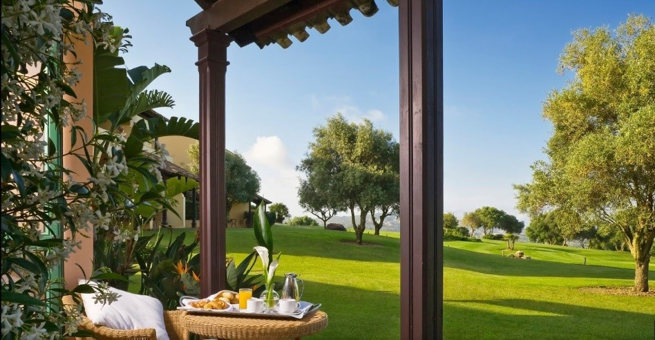 Running 5* Hotel spa & golf in excellent condition. Surrounded by 27 holes golf course, room vie, Spain