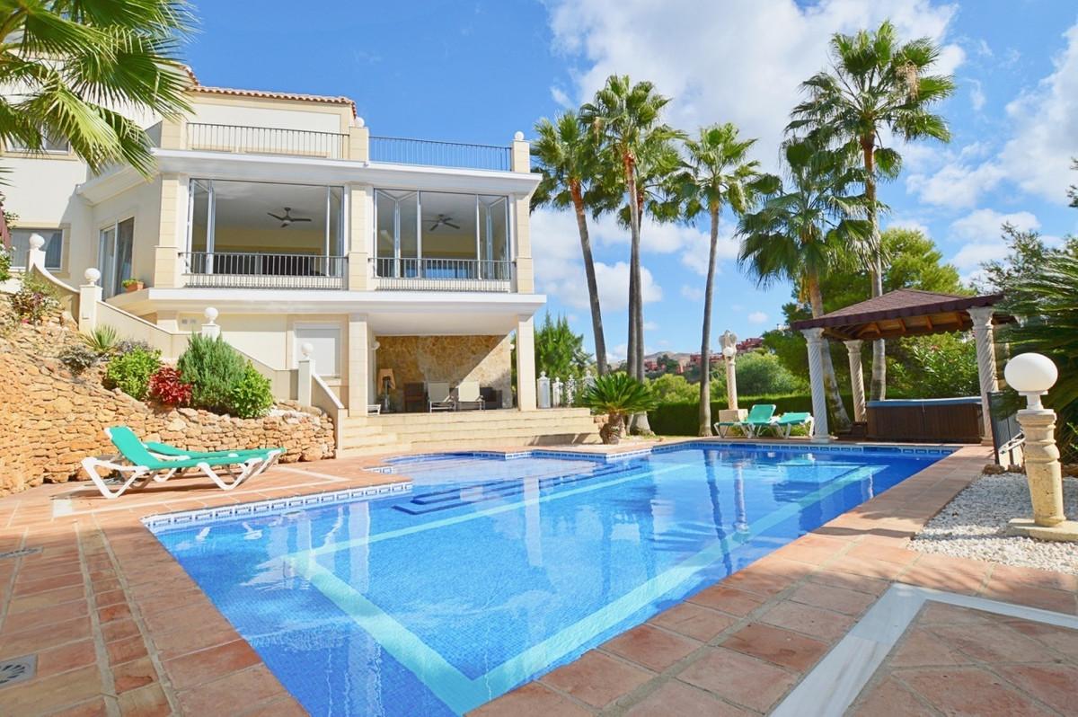 Detached Villa, Hacienda Las Chapas, Costa del Sol. 6 Bedrooms, 6 Bathrooms, Built 833 m², Garden/Pl,Spain