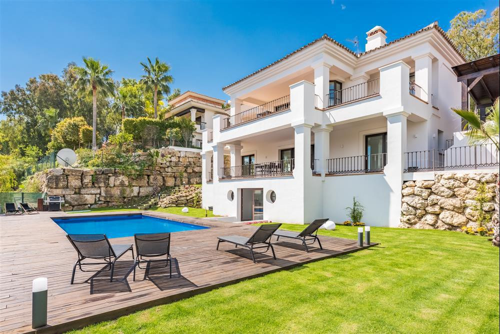 This majestic fully reformed five bedroom villa is situated in the heart of Nueva Andalucia. The pro,Spain