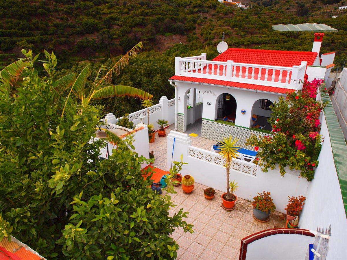 Beautiful finca in Torrox, in a very quiet place and with good views to the mountains and the sea. T,Spain