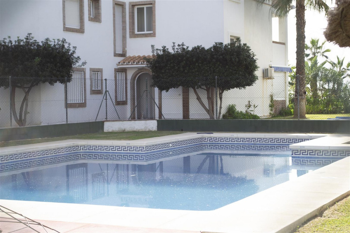 Second line Beach apartment  Luminous Groundfloor flat with two bedrooms only 100 metres from the se, Spain