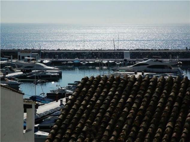 Modern apartment with sea views in Puerto Banus. The apartment in perfect condition has 2 bedrooms a, Spain