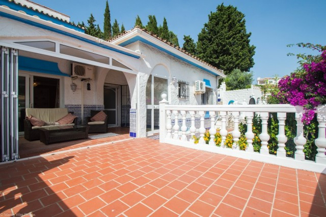 RECENT REDUCTION TO 270.000€. OWNERS KEEN TO SELL!! OPEN TO OFFERS!!  A charming 3 bedroom Villa in ,Spain