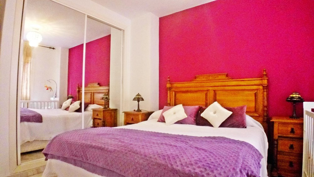 Beautiful 2 bedroom apartment close to the city centre. Next to Avenida Andalucia nearby supermarket,Spain