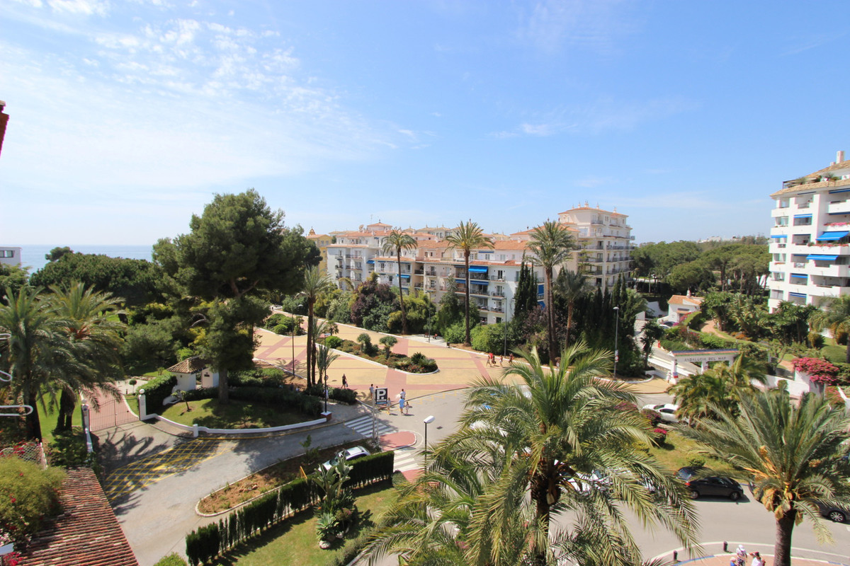 Penthouse 345 meters with 80 meters of terraces, spectacular views in one of the best areas of Puert, Spain