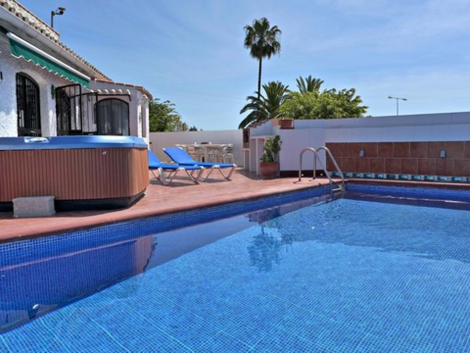 SPECTACULAR VILLA IN ONE OF THE MOST POPULAR UBINAZATIONS.  Villa renovated with 3 bedrooms, swimmin, Spain
