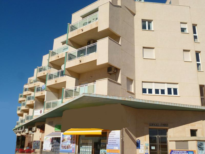 SOUTH FACING 3 BEDROOM APARTMENT IN CABO ROIG. Superbly presented 2nd floor south facing quality bui, Spain