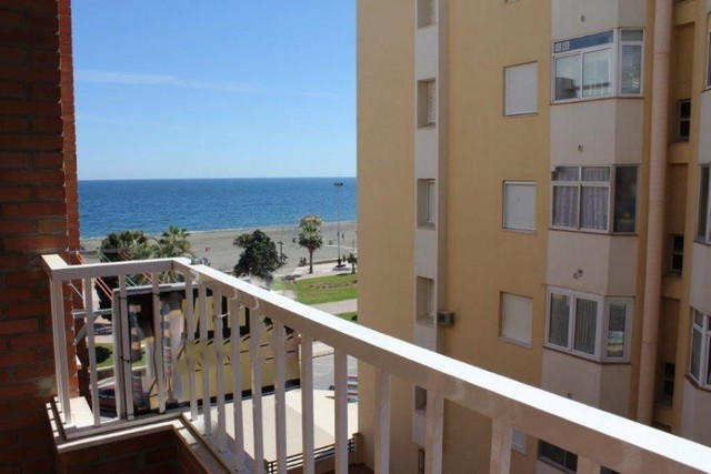 Magnificent apartment in a fantastic area of Torre del Mar, close to all services without having to , Spain