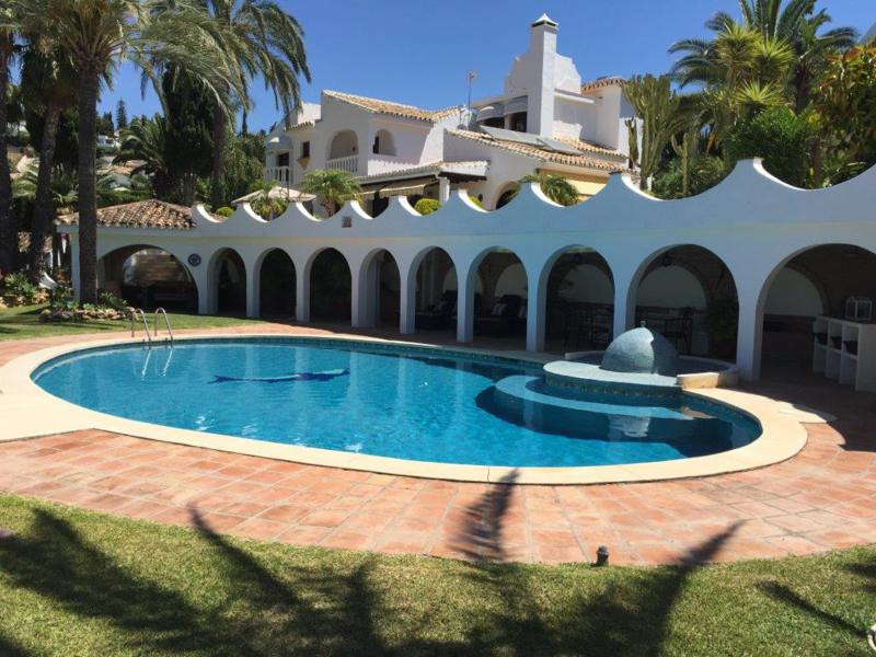Beautiful villa constructed with very high quality, built by the owner himself with the best materia,Spain