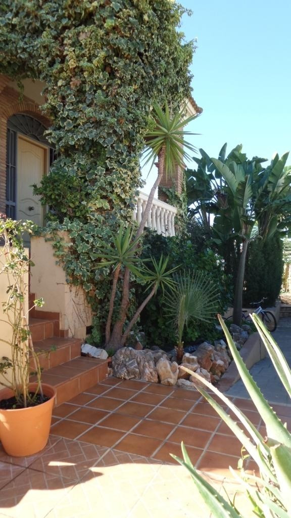 SPECTACULAR VILLA WITH IDEAL LOCATION, 15 minutes from the beach by car, 15 minutes from Malaga airp,Spain