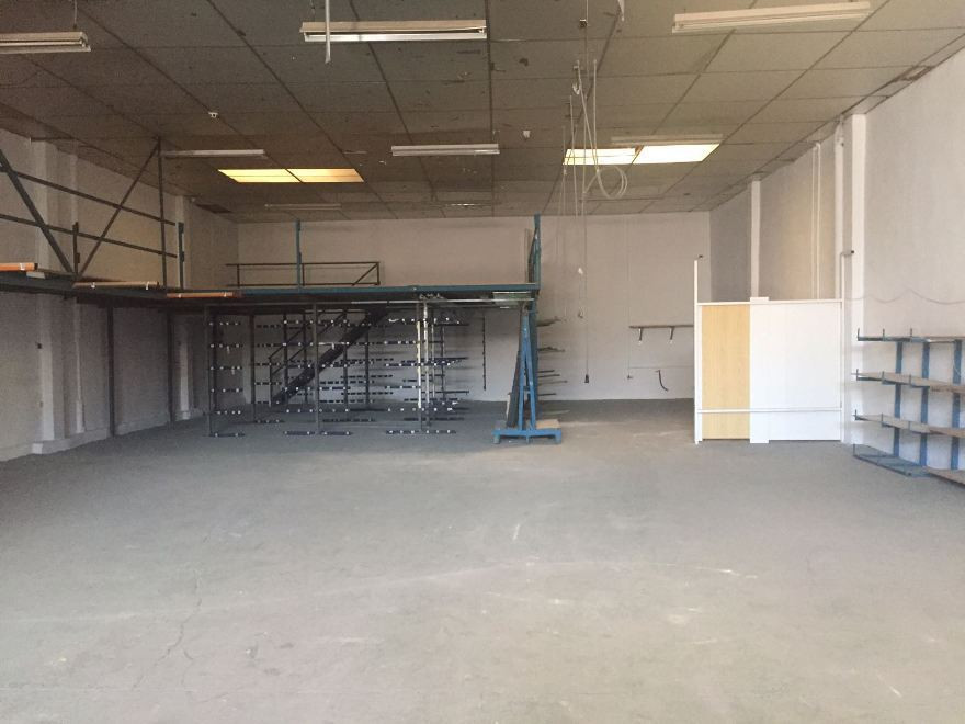 OPPORTUNITY!!!! INDUSTRIAL WORKSHOP/LOCAL FOR SALE/ RENT / AND OPTION OF RENT TO BUY LOCATED IN  POL,Spain