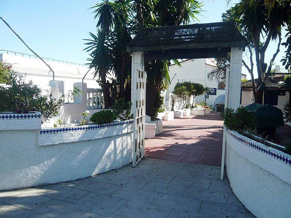 RESERVED  Great opportunity to buy a bed and breakfast on the beachside next to Benalmadena's PuSpain