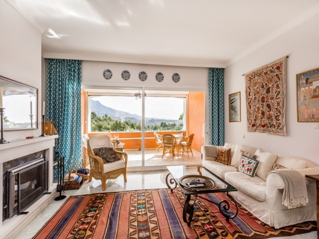 ALOHA, NUEVA ANDALUCIA - Charming elevated townhouse on two levels, stunning open views to La ConchaSpain