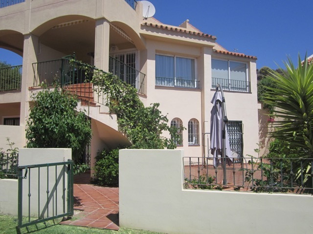 Large bright airy semi detached villa with large terraces front and rear. Good sized roof terrace. L,Spain