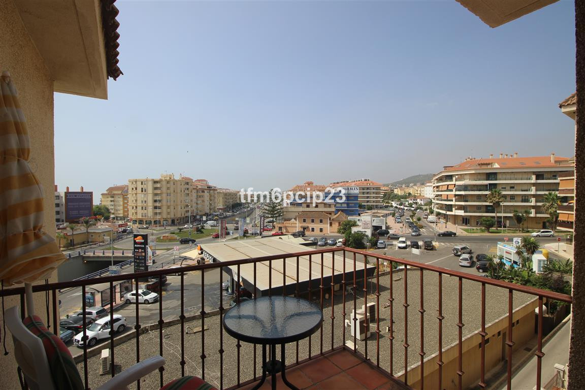 LA FLORIDA SABINILLAS BARGAIN! OPORTUNITY!  * Large and immaculate apartment. * Walking distance to , Spain