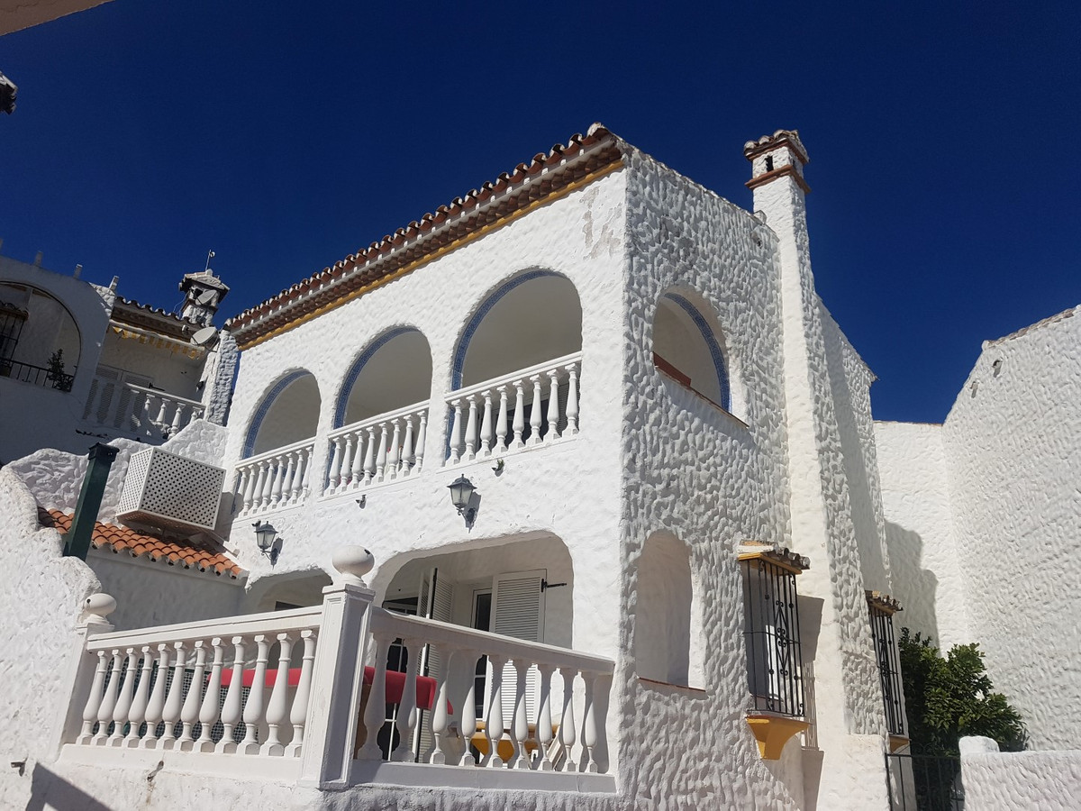 A large independent townhouse with the one of the best panoramic views in Benalmadena.  There is a l,Spain