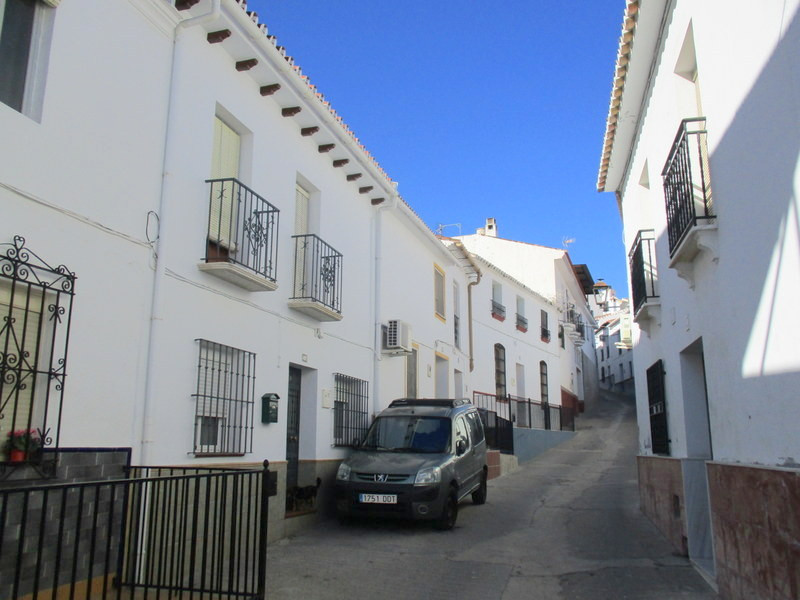 This very attractive 6 bedroom traditional village house has been modernized in recent years.  The a, Spain