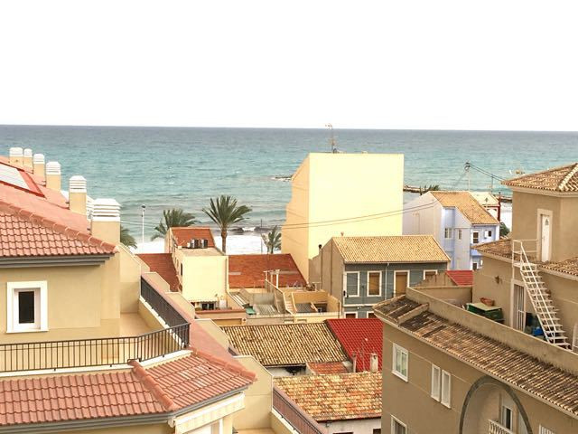 Unique 3 bedroom apartment for sale in El Campello with sea views and just 50m form the beach.  1992,Spain