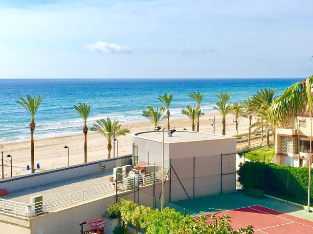 Beachfront 2 bedroom apartment in small exclusive apartment block.  Small apartment block in beachfr, Spain