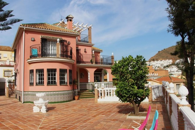 Amazing 10 bedrooms Villa located in Gibralfaro. Residential and quite area, 700 meters from the La ,Spain