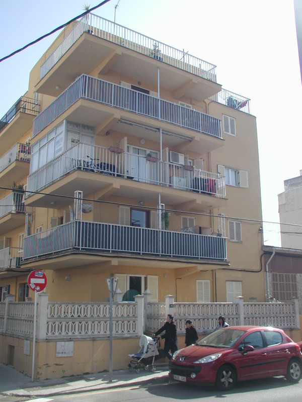 Renovated apartment in Arenal  Living area of 93 m2, 3 bedrooms (1 double, 2 single), bathroom, kitc, Spain
