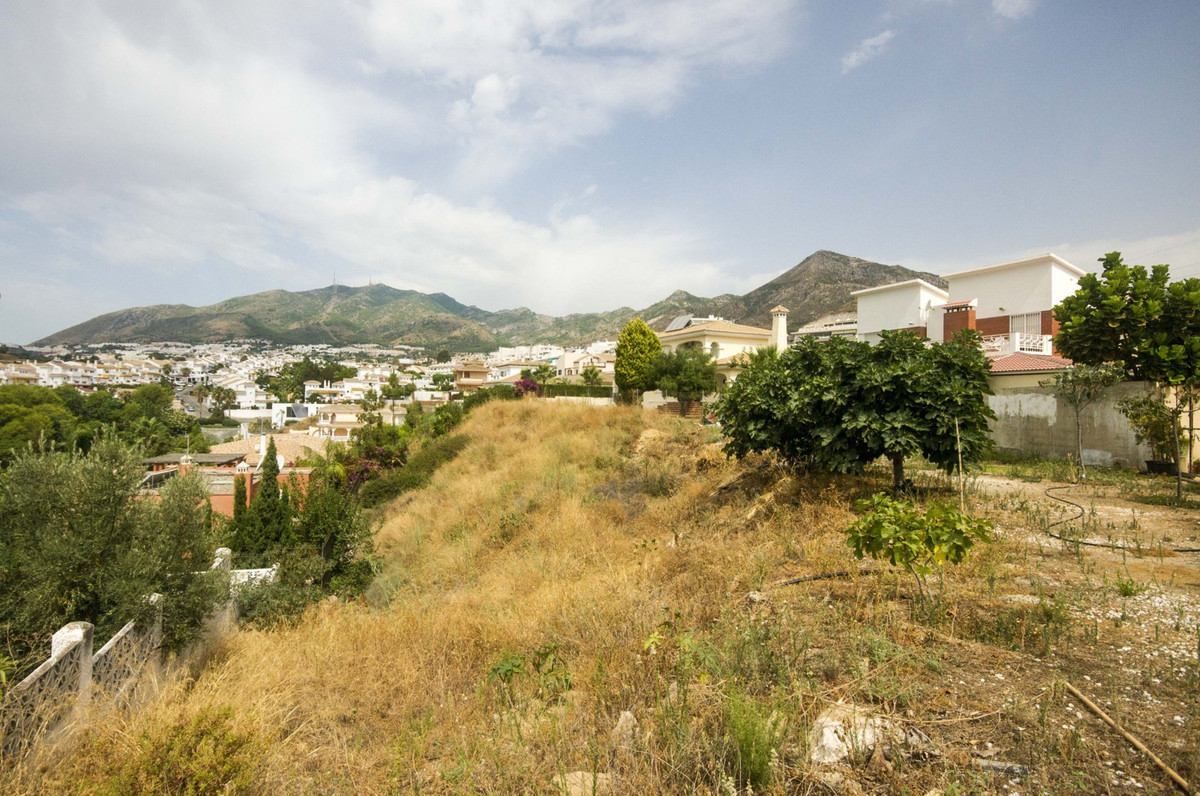 Urban plot close to the centre of Arroyo de la Miel and just a short walk from the beach. The land i, Spain
