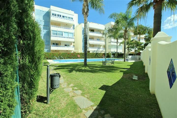 A 2 bedroom 2 bathroom beachside apartment in Las Chapas Playa. Sea views from living room and close,Spain
