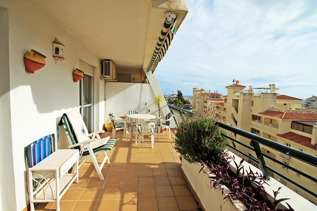 Wonderful apartment with two bedrooms for sale in Torrequebrada, Benalmadena Costa. Very close to th, Spain
