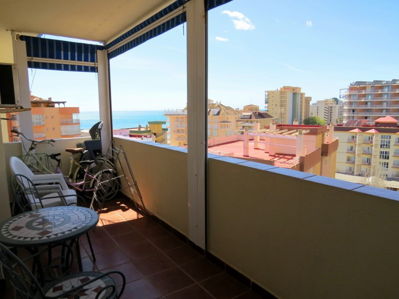 3 Bedroom top floor apartment, 2nd line to Torreblanca (Fuengirola) Beach.  Fully furnished and equi,Spain