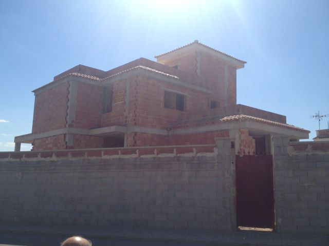 Corner plot of 950m2 . Panoramic views . First qualities . Villa under construction : walls have bee, Spain