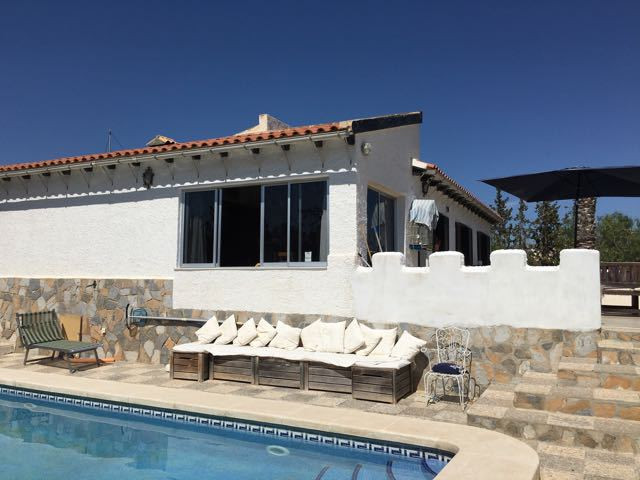 Character villa with pool in a residencial area in Muchamiel.  This villa has been built by a german,Spain