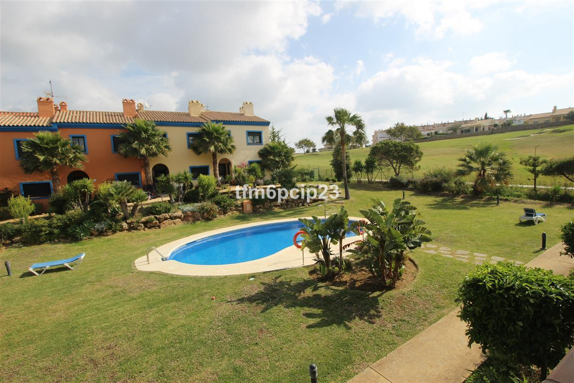 ABSOLUTE BARGAIN TOWNHOUSE located on the edge of DUQUESA GOLF COURSE. The property is located on a , Spain