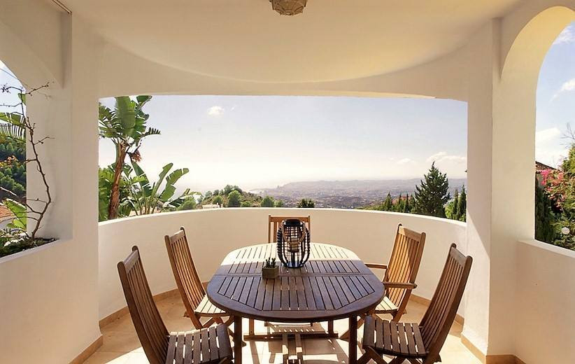 PANORAMIC SEA VIEWS- Fantastic value 4 bedroom semi detached villa with beautiful sea views down to , Spain